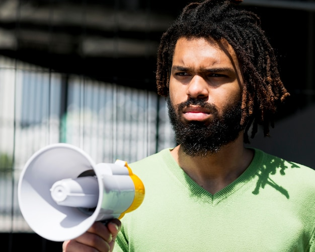 Angry man in daylight black lives matter concept Free Photo