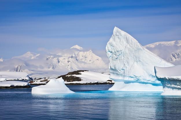 Antarctic iceberg landscape Premium Photo