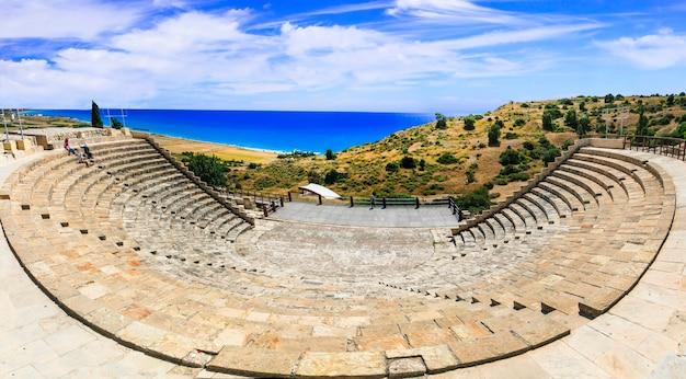 Античные исторические достопримечательности острова кипр Premium Фотографии