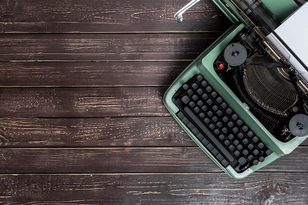 Antique typewriter, vintage typewriter machine Premium Photo