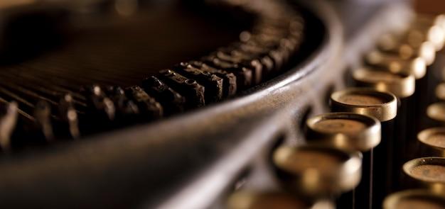Antique typewriter. Premium Photo