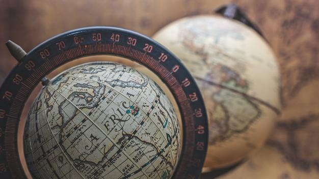 Antique world globe model Premium Photo