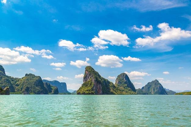 Национальный парк ао панг нга Premium Фотографии