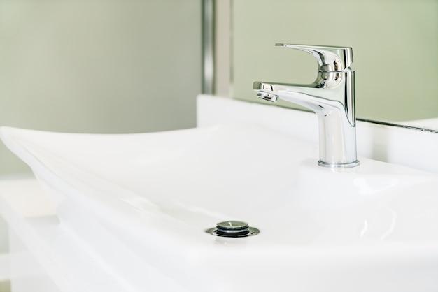 Apartment modern domestic bathroom running Free Photo