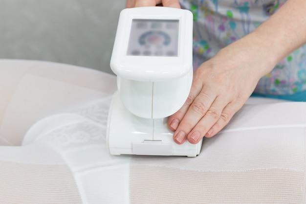 Apparatus for vacuum roller massage lpg. Premium Photo