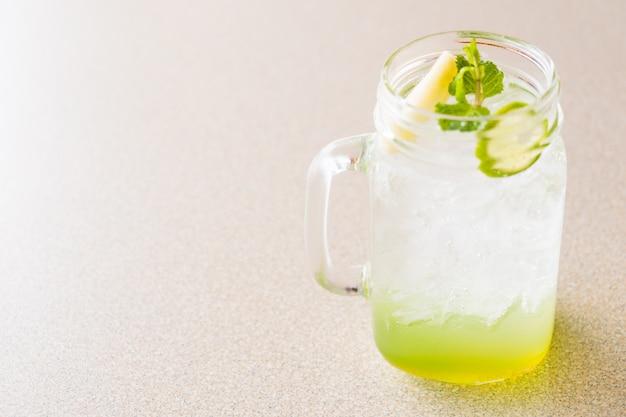Apple and lemon juice Free Photo