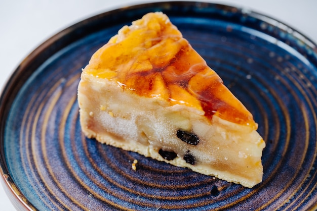 Apple pie topped with jelly Free Photo