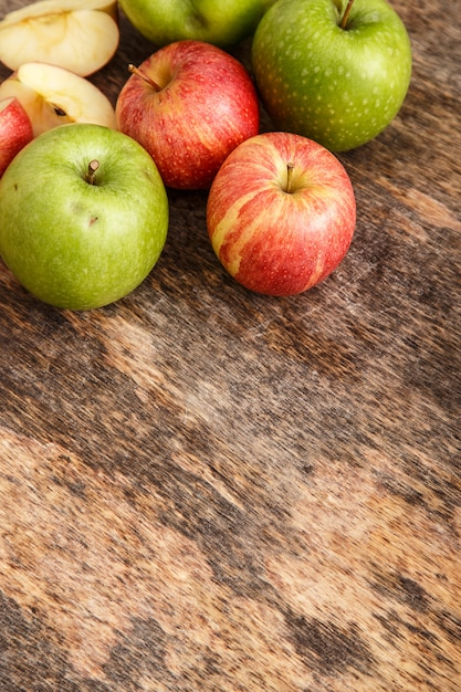 Apples on the table Free Photo
