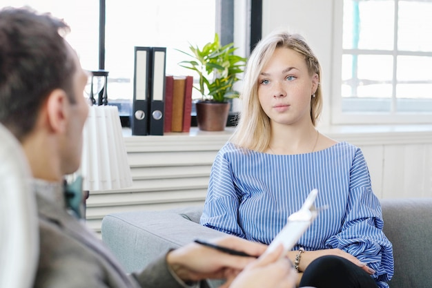 Appointment at psychologist Free Photo