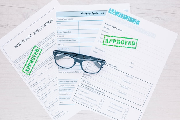 Approved applications for credit loan Free Photo