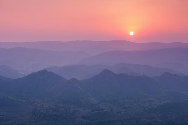 Aravalli mountains, udaipur Premium Photo