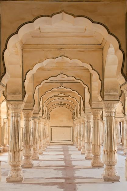 Arches at amber fort near jaipur Premium Photo