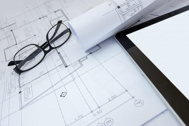 建築家の設計作業図面スケッチ計画建築家スタジオでの青写真 Premium写真