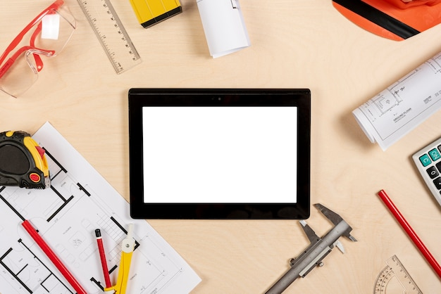 Architect desk with tablet on top mock-up Free Photo