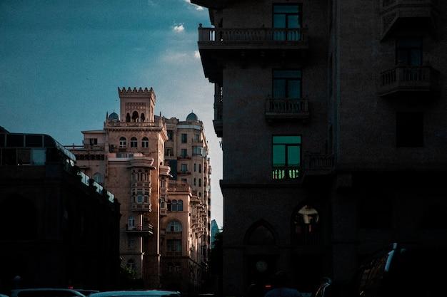 市内中心部の建築物。高品質の写真 無料写真