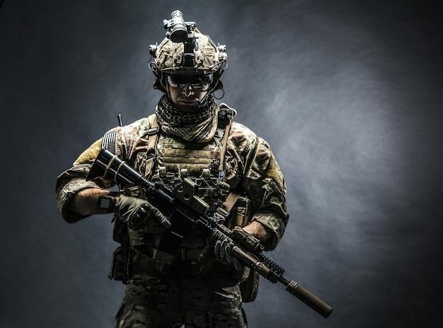 Army ranger in field uniforms Premium Photo