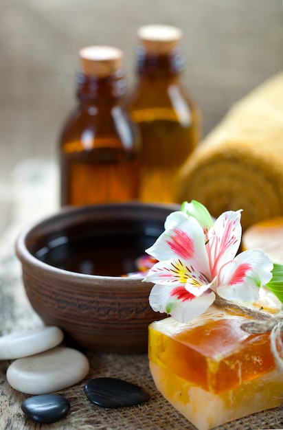 Aromatherapy accessories in spa | Premium Photo