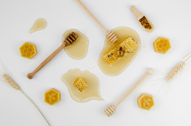 ハチミツと蜜蝋 Premium写真