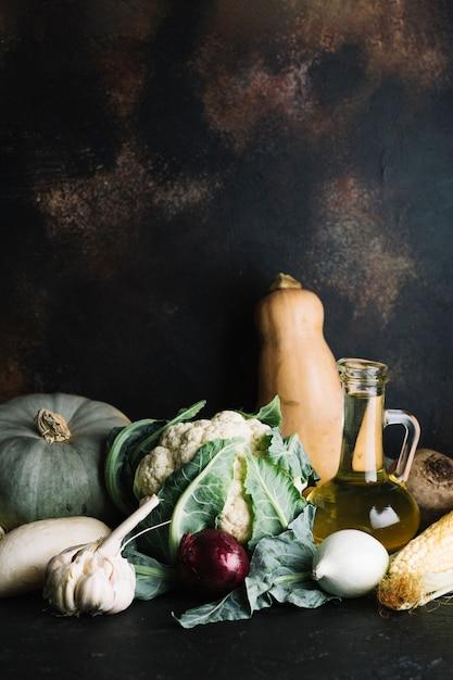 Arrangement of delicious autumn vegetables Free Photo