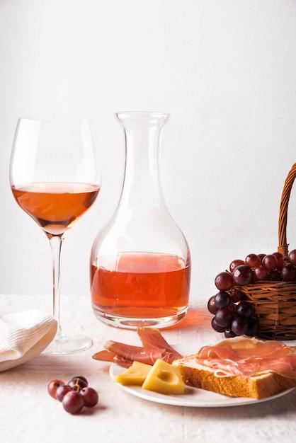 Arrangement of delicious wine tasting Free Photo