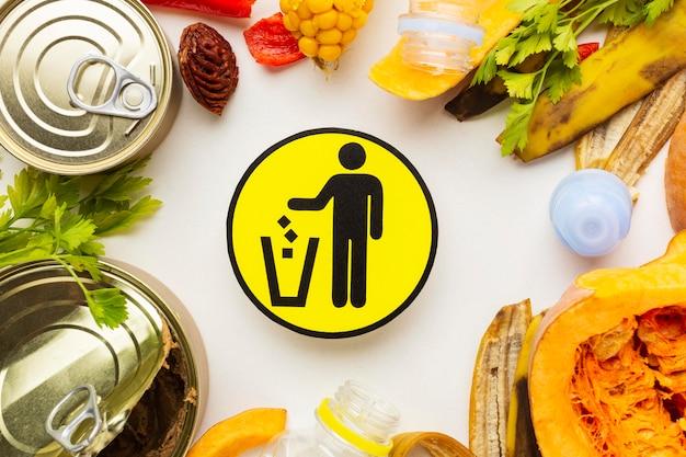 Disposizione degli avanzi di cibo sprecato piatto simbolo laico Foto Gratuite