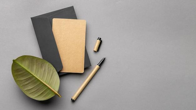 Arrangement with stationery elements on grey background Free Photo