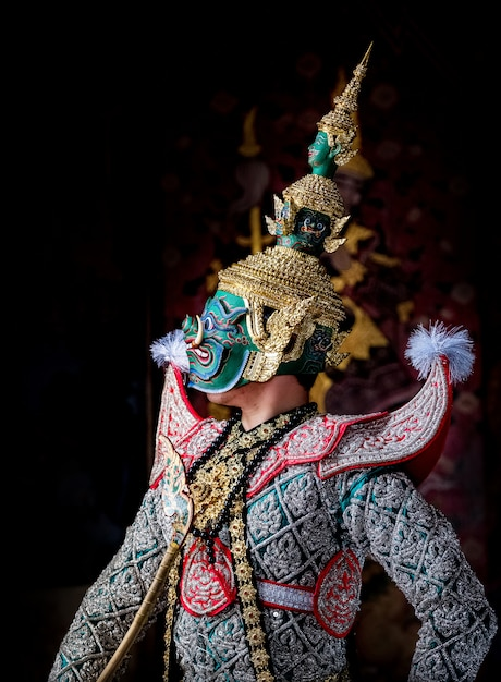 Art culture thailand dancing in masked khon in literature ramayana Premium Photo