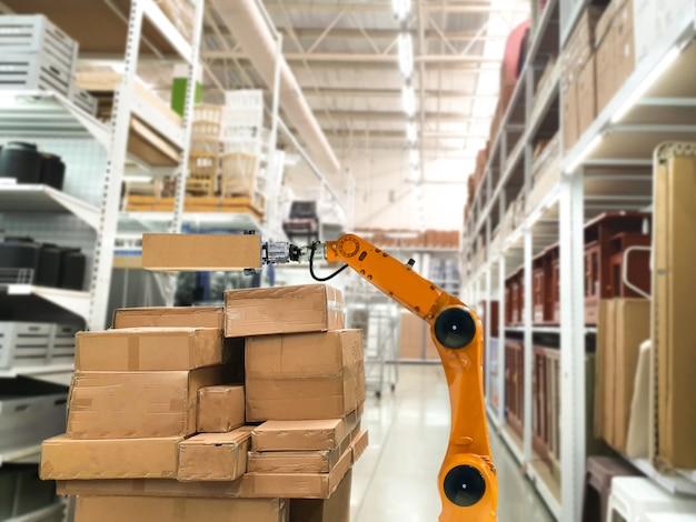 人工知能メカニカルアームスマートロボットサービスは、商品を棚に保管する店舗の移動ボックスに使用します Premium写真