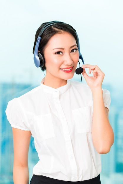 Asian chinese call center agent Premium Photo
