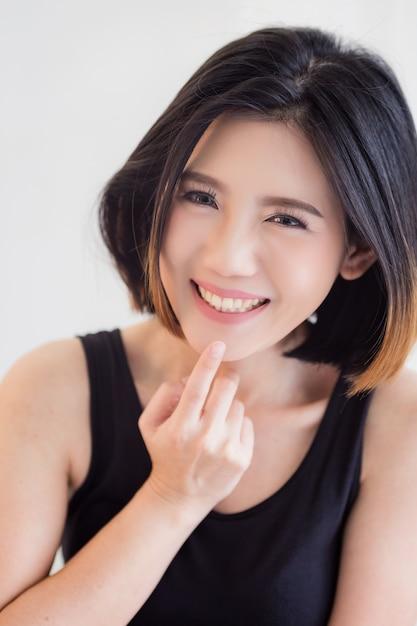 asian-girls-laughing