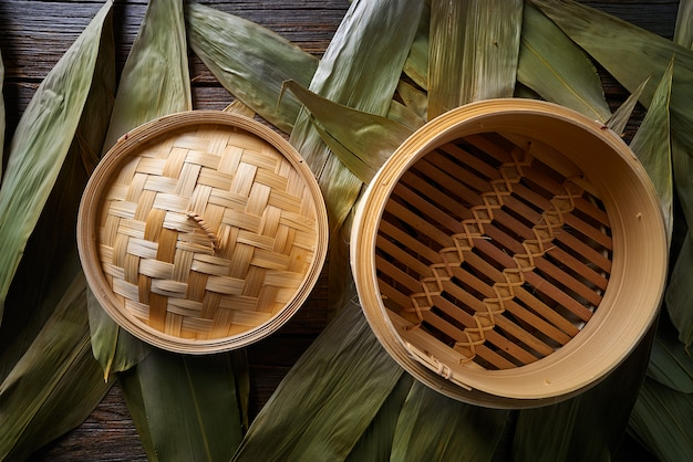Asian kitchen bamboo steamer for steam cooking Premium Photo
