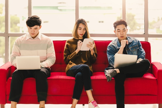 Asian learning social media Premium Photo