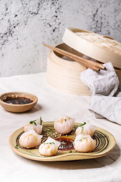 Asian steam dumplings Premium Photo