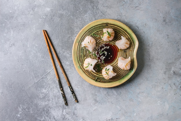 Asian steam dumplings Premium Photo