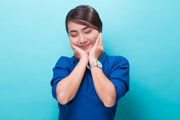 Asian woman feel shy and smiling Premium Photo
