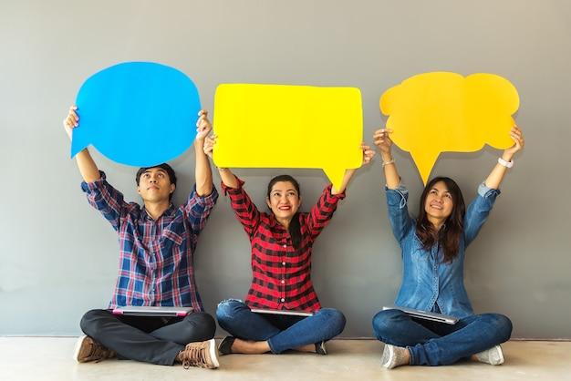 Asian woman&men survey assessment analysis feedback icon Premium Photo