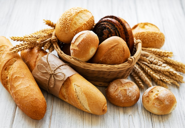 Assortment of baked bread Premium Photo