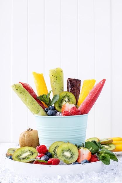 Assortment of ice popsicles Premium Photo