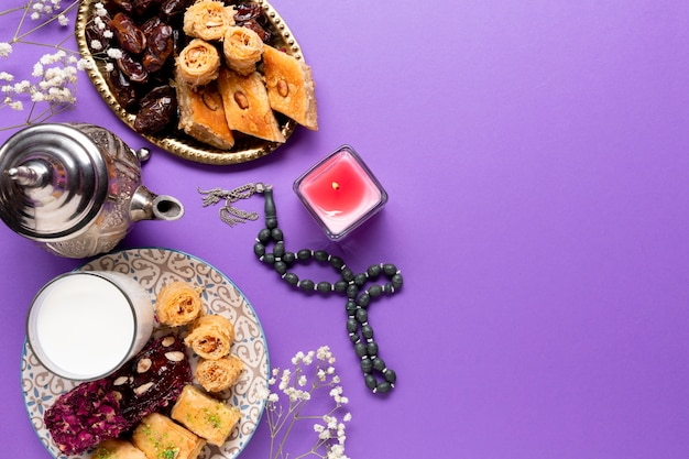 Assortment of islamic pastries  with copy space Free Photo