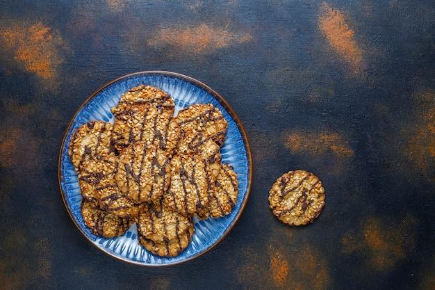 Ассортимент вкусного свежего печенья. Бесплатные Фотографии