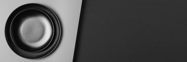 コピースペース付きのさまざまなサイズのプレートの品揃え 無料写真