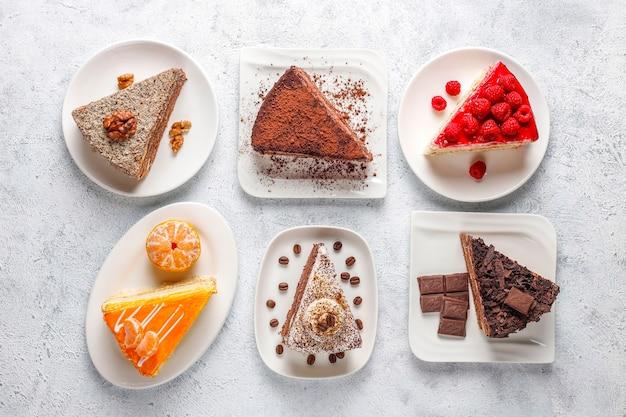 Ассортимент кусочков торта. Бесплатные Фотографии