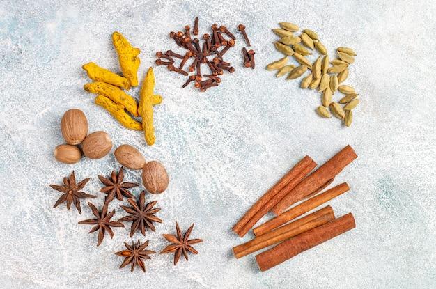 冬のスパイスの品揃え。 無料写真