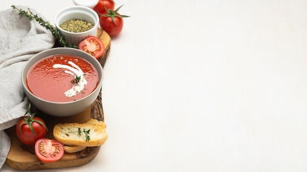 복사 공간이있는 맛있는 현지 음식 식사와 함께 구색 무료 사진