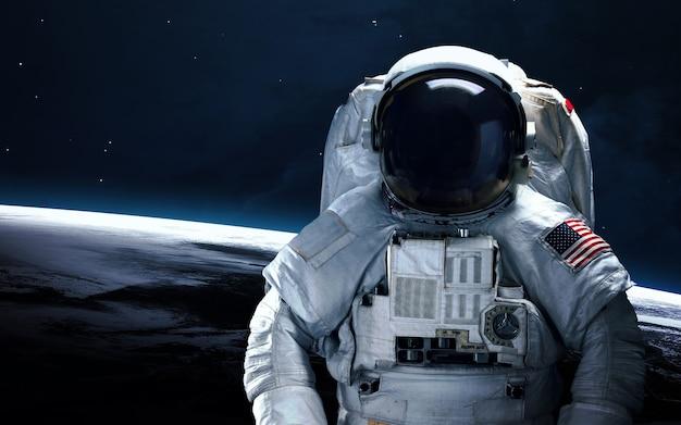 Astronaut in outer space. spacewalk. Premium Photo