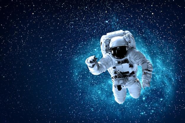 Astronaut on space Premium Photo
