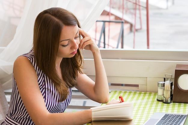 Attractive lady working Premium Photo