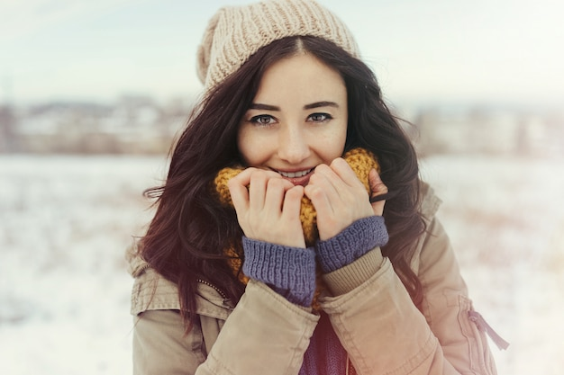Attractive young woman in wintertime outdoor Free Photo