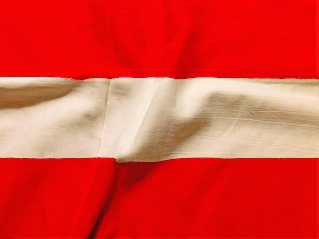 Bandiera dell'austria con texture sullo sfondo Foto Gratuite
