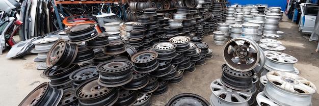 Auto parts market. car wheels are on the ground. Premium Photo